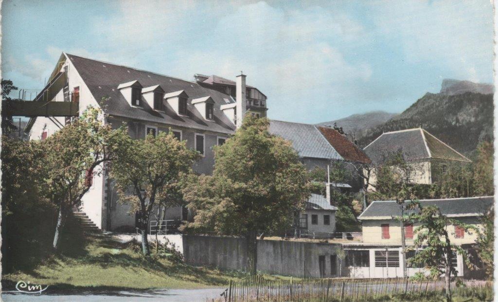Pertuis sur cartes postales for Chambre de commerce marseille rue sainte victoire