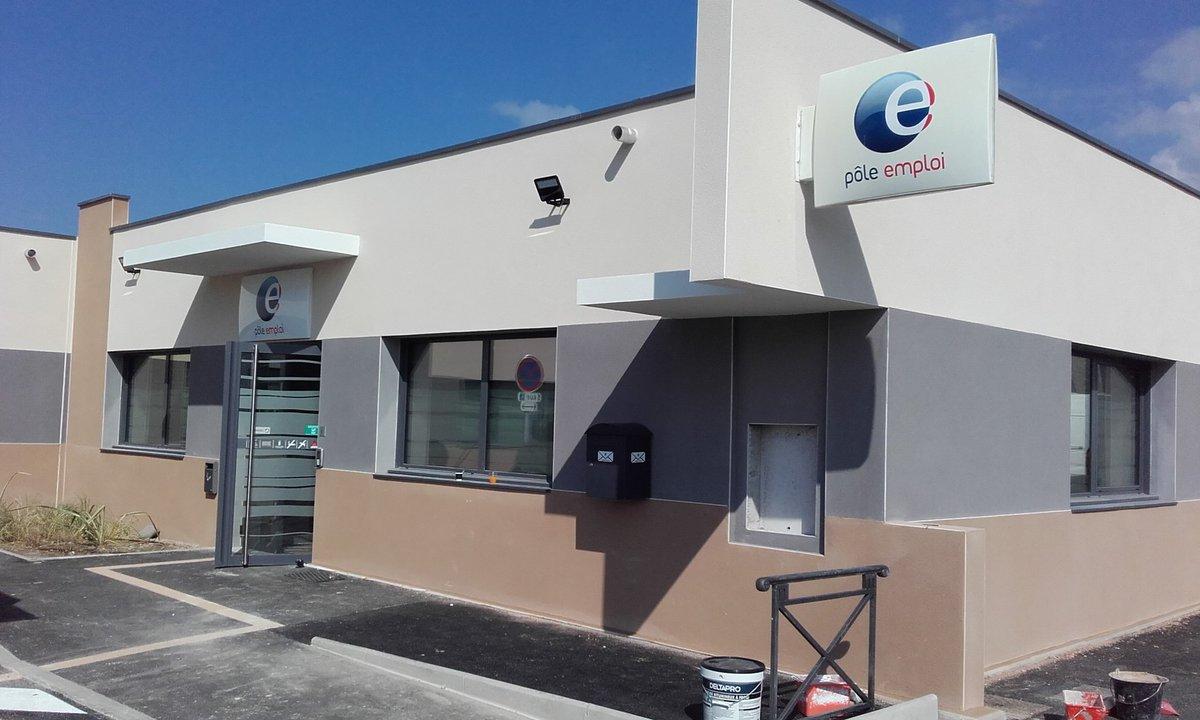 Nouveaux locaux pole emploi pertuis ouverture vendredi for Garage moullet pertuis